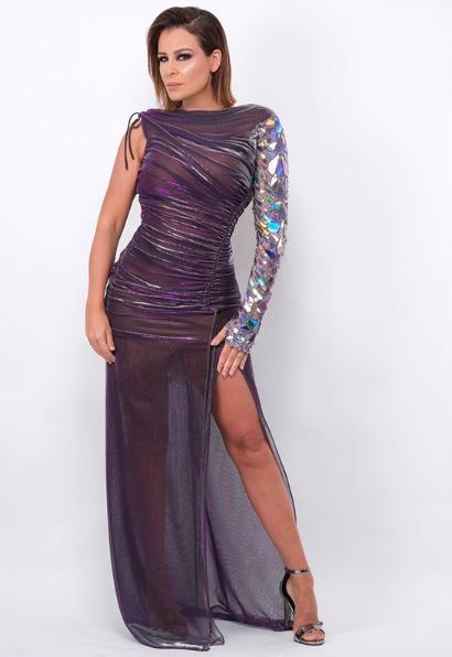 كارول سماحة في فستان بتصميم عصري