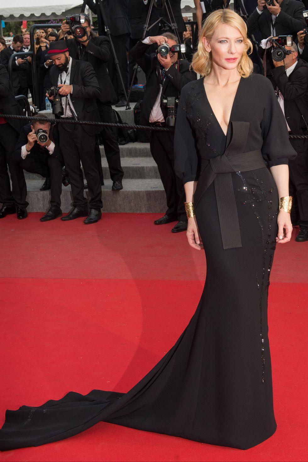كايت بلانشيت في فستان من ارماني عام ٢٠١٥
