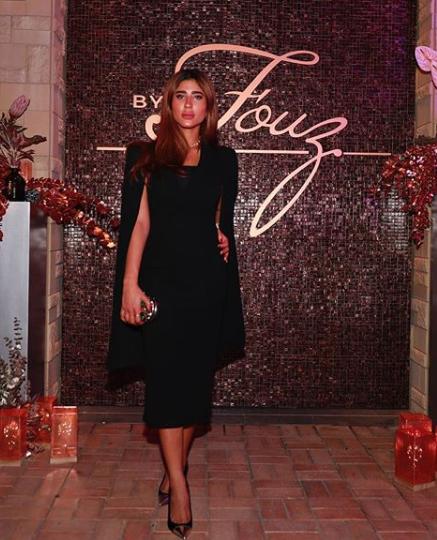ليلى العبدالله في فستان ميدي أسود