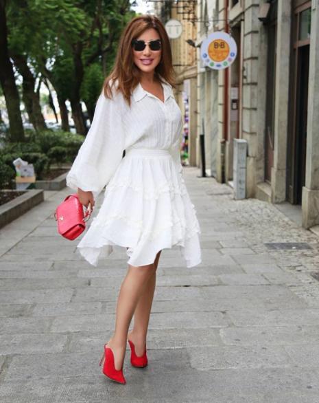 نجوى كرم في فستان أبيض
