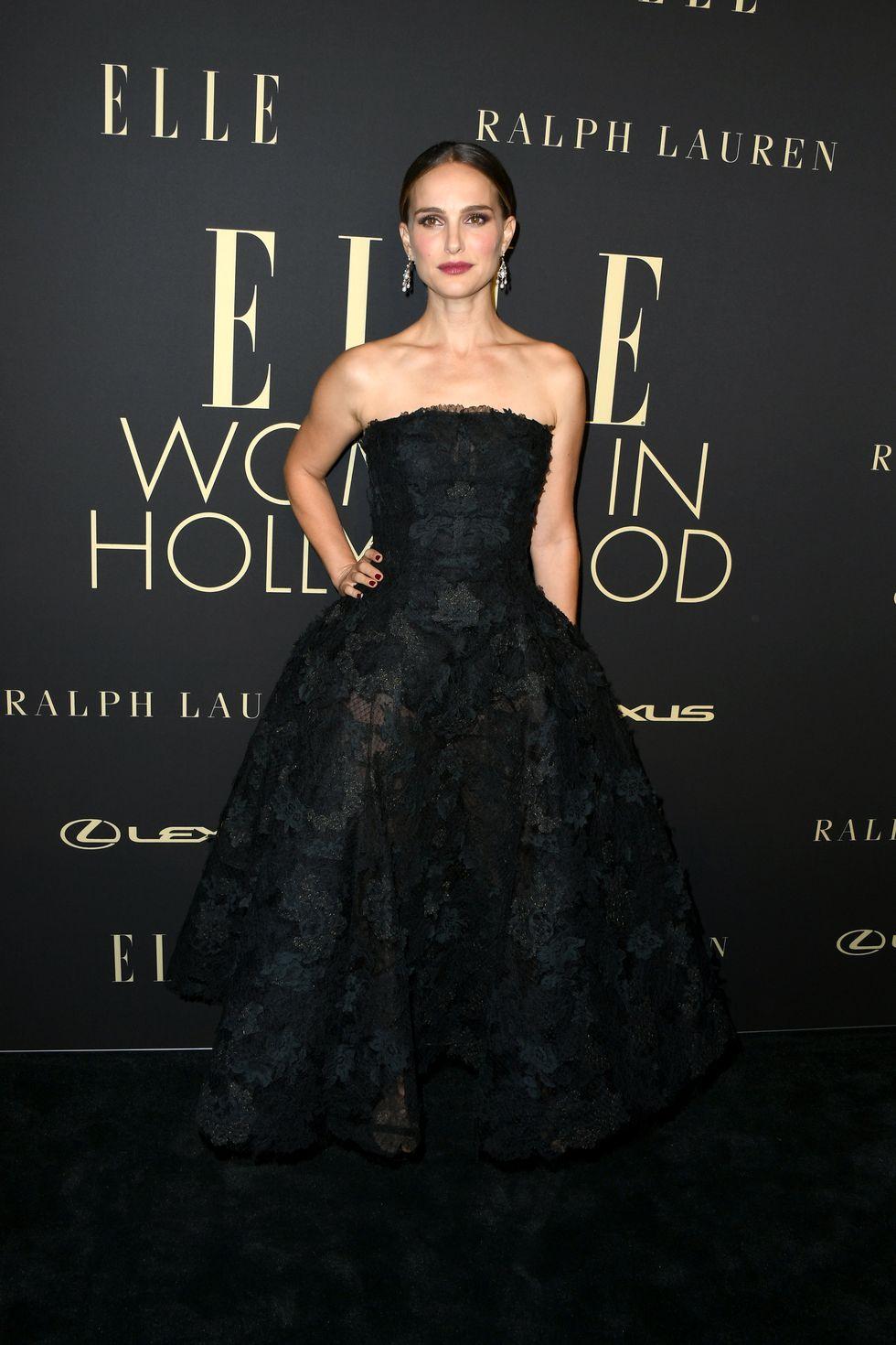 نتالي بورتمان متألقة في فستان باللون الأسود من ديور