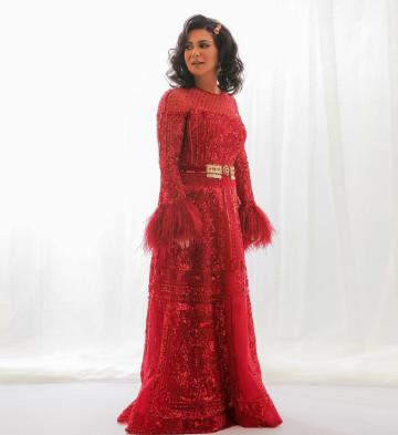 نوال الكويتية في فستان سهرة أحمر