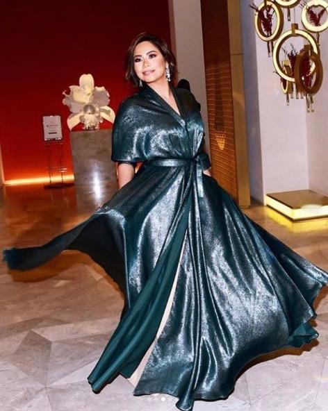 شيرين في فستان ميتالك من مرمر حليم