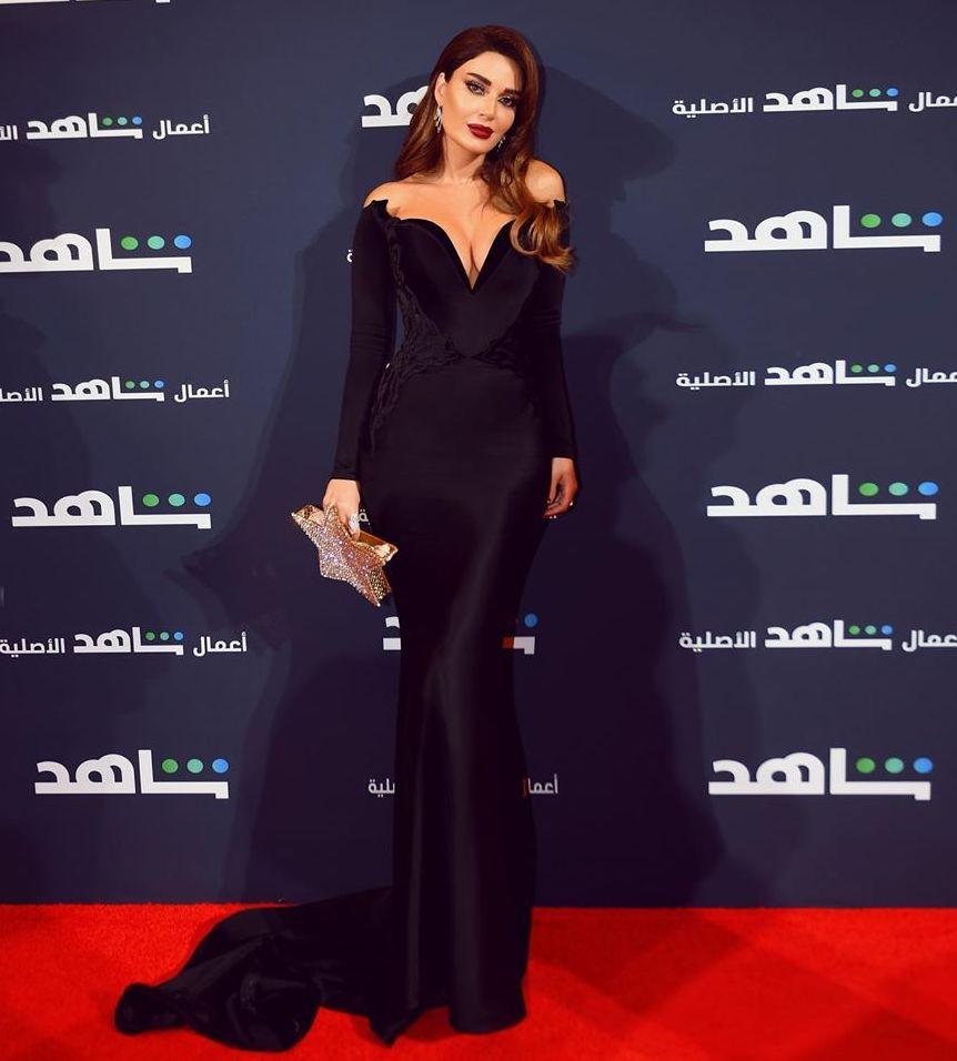 سيرين عبد النور في فستان اوف شولدرز من أسود