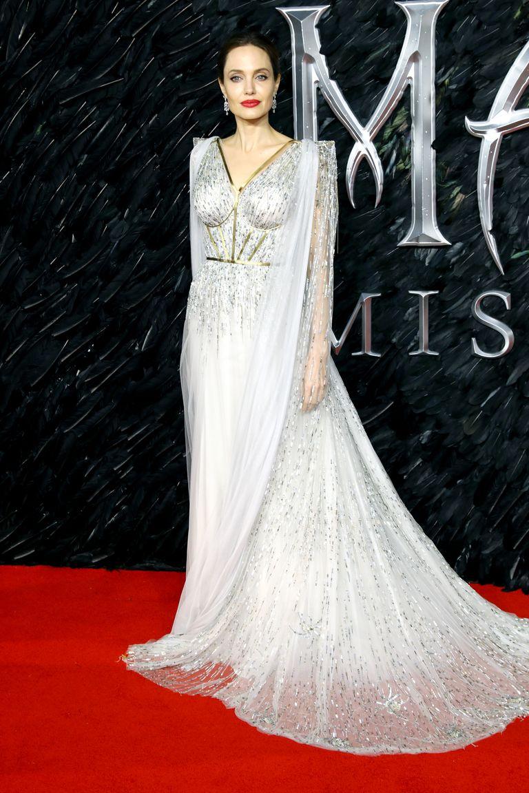 اطلالة رائعة في فستان فاخر من رالف أند روسو تألقت بها أنجلينا جولي