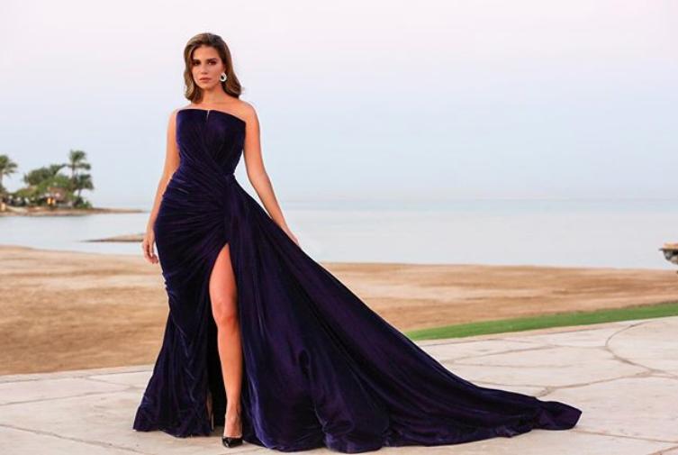 تألقت  لارا اسكندر في فستان من نيكولا جبران