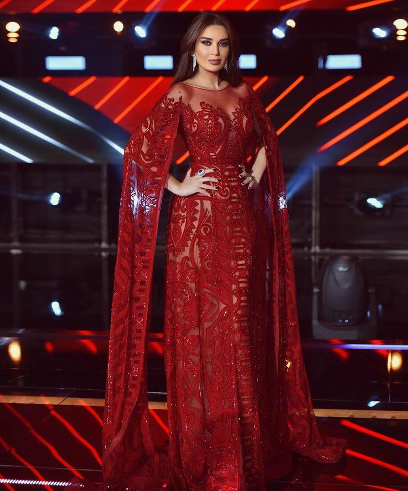 تألقت سيرين عبد النور في فستان باللون الأحمر من زهير مراد