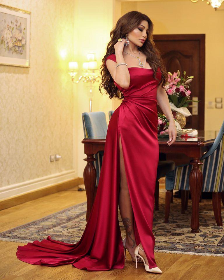 هيفاء وهبي في فستان باللون الأحمر