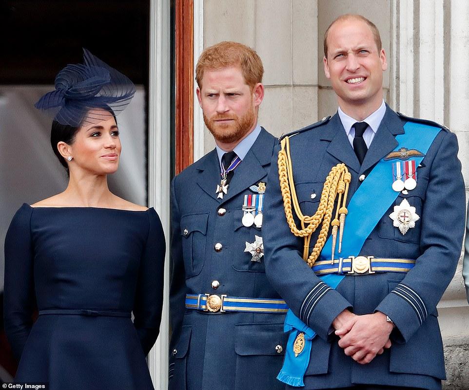 الأمير هاري يشعر بأن شقيقه الأمير ويليام أقصاه بعيداً