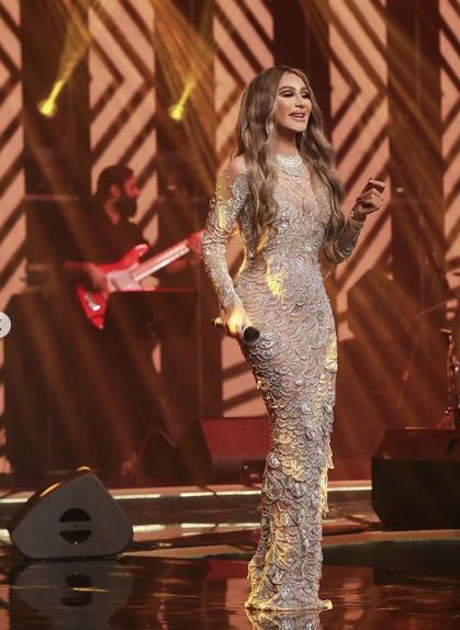 مايا دياب في فستان من نيكولا جبران