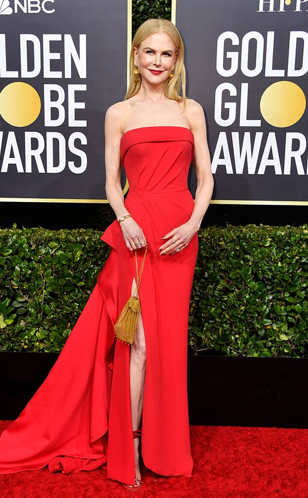نيكول كيدمان في فستان أحمر من فيرساتشي
