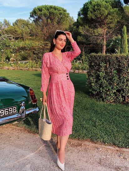 روان في اطلالة صيفية في فستان ناعم
