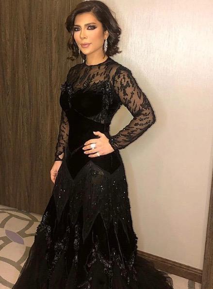 أصالة في فستان أسود من نيكولا جبران