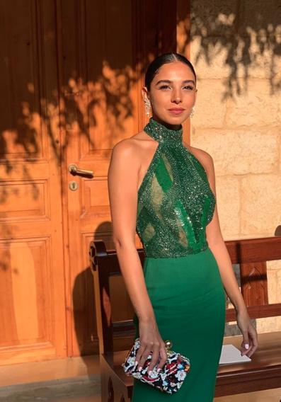 سلمى أبو ضيف في فستان أخضر براق من ايلي صعب