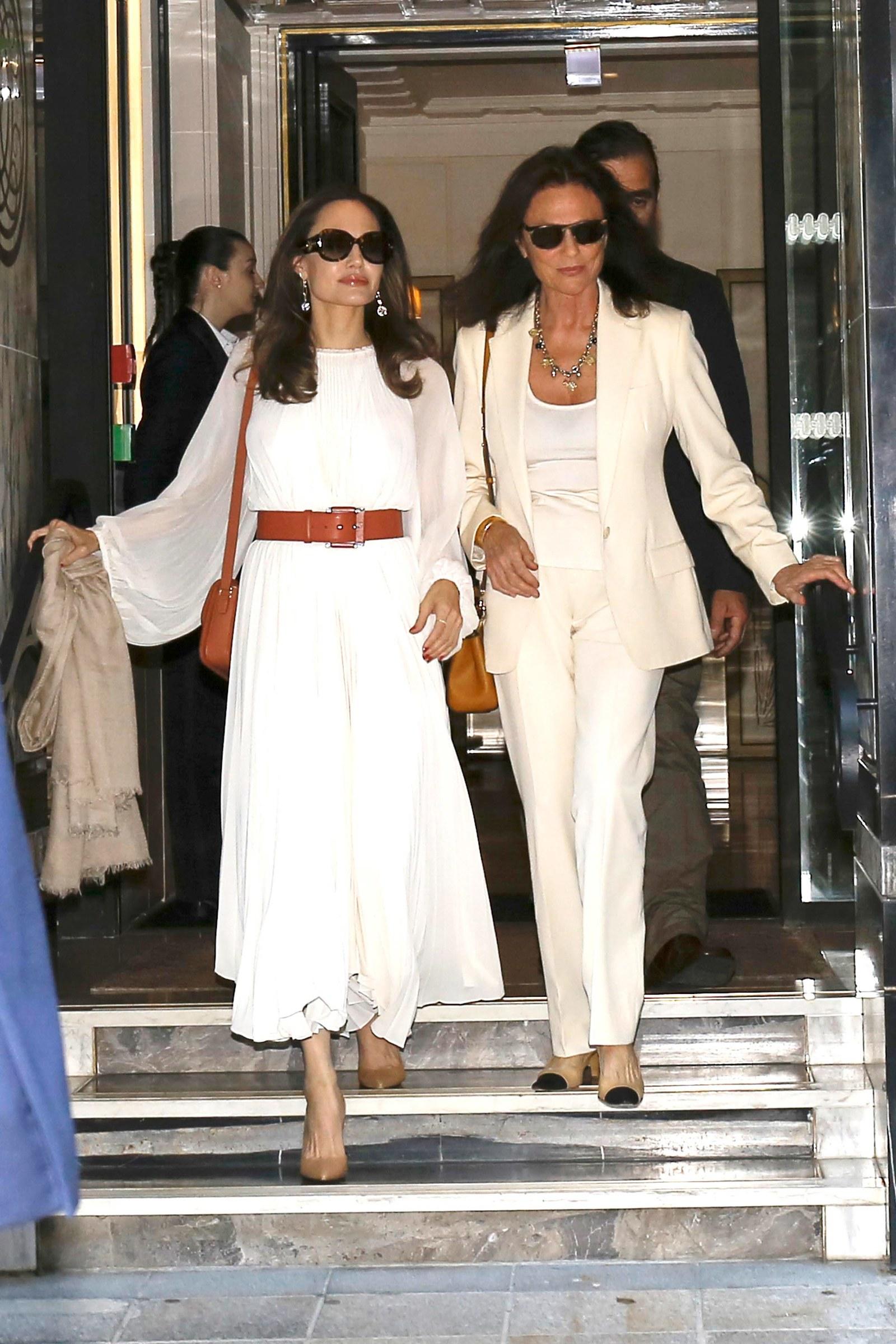 أنجلينا جولي في باريس