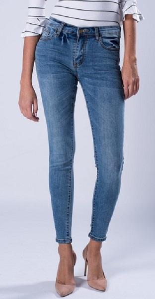 بنطلون للنساء جينز أزرق اللون من في اس فاشن