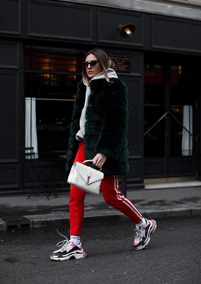 عدم اعتماد حذاء Balenciaga Triple S  مع الكثير من الطبقات