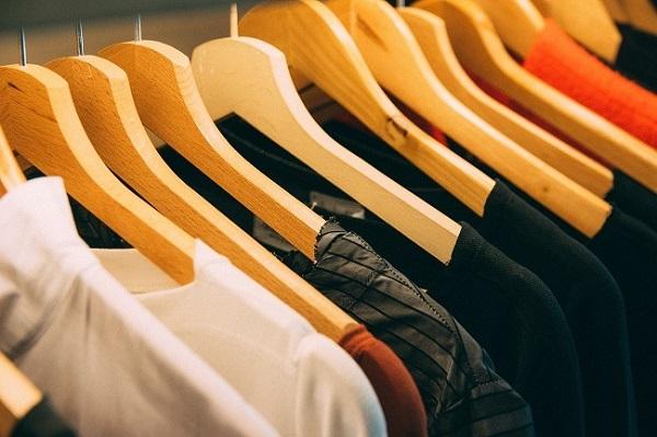أفكار لتنسيق الملابس للأسبوع بأكمله