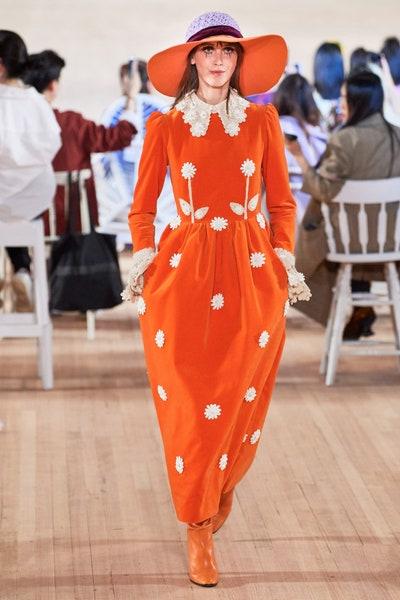 فستان بتصميم البولكا من مارك جايكوبس Marc Jacobs