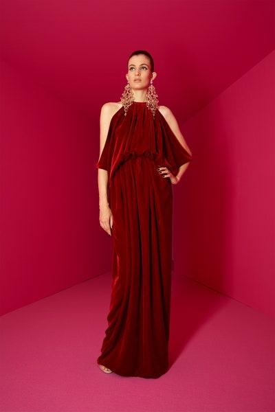 فستان مخمل باللون البرغندي من ألكسي مابيل Alexis Mabille