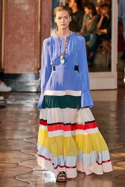 فستان مقلم بالتقليمات العريضة الملونة من ألتوزارا Altuzarra