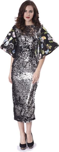 8934a2371b56d فستان سهرة ميدي مزين بالترتر باللونين الفضي والأسود، بقصة مستقيمة وأكمام  قصيرة واسعة ومطبعة بالورود، مع سحاب خلفي ظاهر.