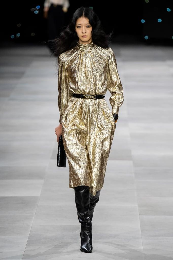 فستان ميتاليك بأكمام منفوخة من سيلين Celine