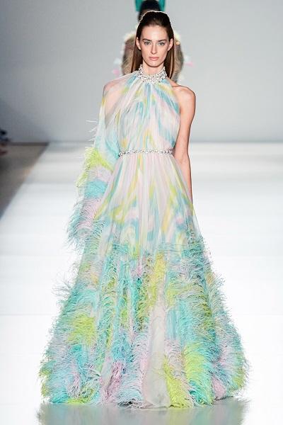 فستان سهرة بمزيج من الوان الباستيل الرائعة من رالف اند روسو Ralph&Russo