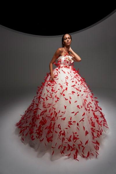 فستان سهرة مزركش بالريش من جمباتيستا فالي Giambattista Valli