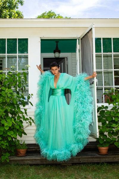 فستان سهرة ريش من اليكساندر فوتييه Alexandre Vauthier باللون الأخضر