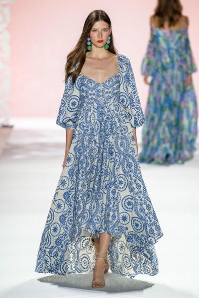 فستان واسع من بادغلي ميشكا Badgley Mischka