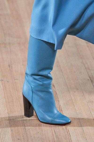 حذاء بوت بكعب مربع باللون الأزرق من مارك جايكوبس Marc Jacobs