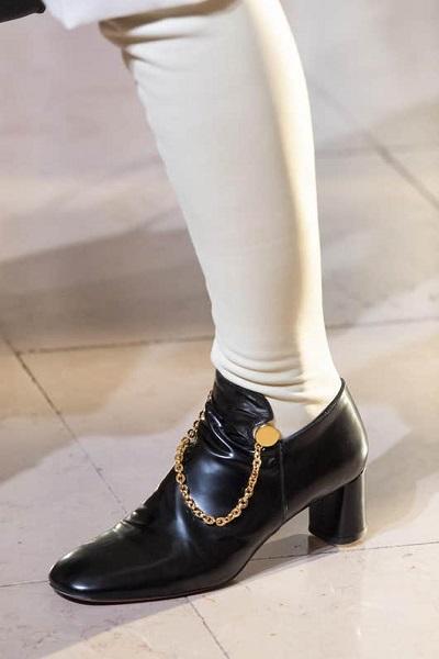 حذاء لوفر بكعب مربع من ألتوزارا Altuzarra