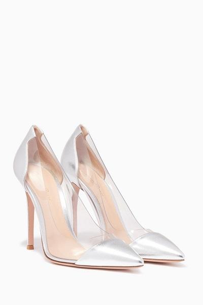 حذاء من الجلد الفضي والشفاف من جيانفيتو روسي Gianvito Rossi