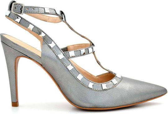 حذاء رمادي من شيك شوز