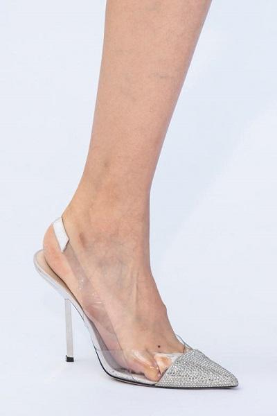 حذاء شفاف مرصّع بالكريستال من رالف اند روسو Ralph&Russo