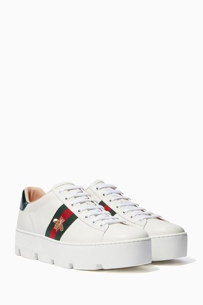 حذاء سنيكرز غوتشي لإطلالة الجامعة