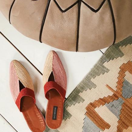 أحذية القش الأمثل لسفرات الصيف