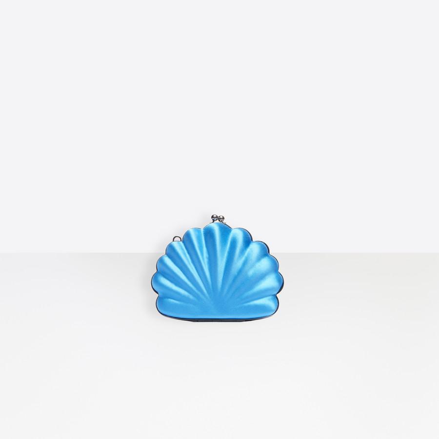 حقيبة كلاتش ملونة من بالنسياغا Balenciaga