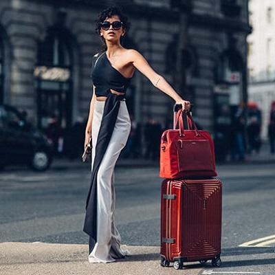 حقائب سفر نسائية بعجلات ناعمة لصيف 2019