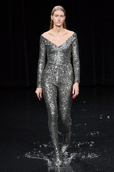 جمبسوت براق باللون الفضي من بالنسياغا Balenciaga