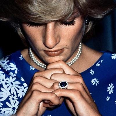 خاتم الليدي ديانا المرصع بالياقوت الأزرق والذي أورثته للدوقة كيت ميدلتون