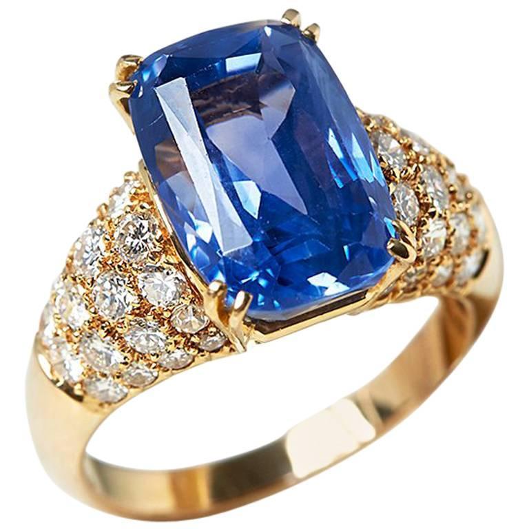 خاتم من الذهب الأصفر مرصع بالماس والياقوت من فان كليف اند اربيلز Van Cleef & Arpels