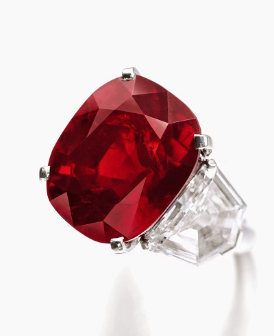 خاتم مرصع بياقوتة Ruby Sunrise من كارتييه Cartier