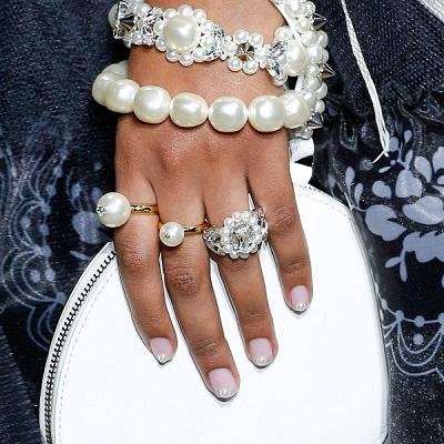 مجوهرات اللؤلؤ من سيمون روشا Simone Rocha