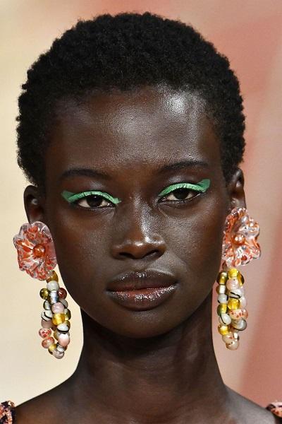 مجوهرات ملونة من أولا جونسون Ulla Johnson