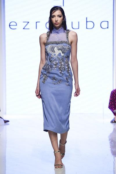 من مجموعة إيزرا توبا خلال اسبوع الموضة العربي 1