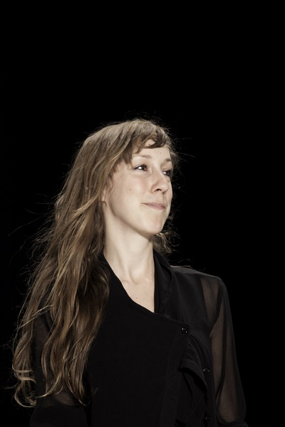 مصممة الأزياء ايرز فان هيربين Iris Van herpen