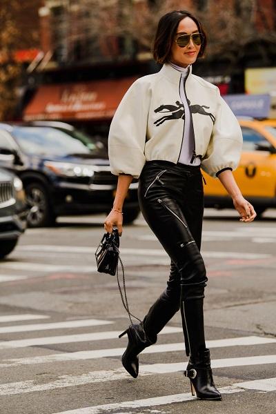 موضة الجلد ضمن اطلالات الشارع في نيويورك