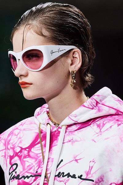 نظارات شمسية بيضاء مستديرة من فرساتشي Versace